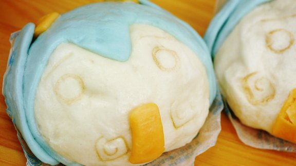 Hatsune Miku Steamed Meat Buns Don't Hold Up Well in the Summer Heat
