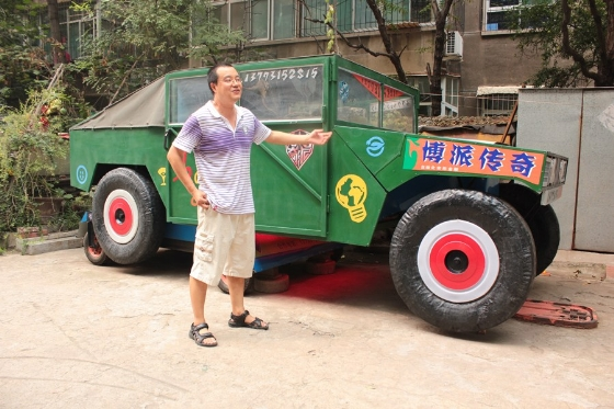 Chinese Man Creates Life Sized Transformer by Himself