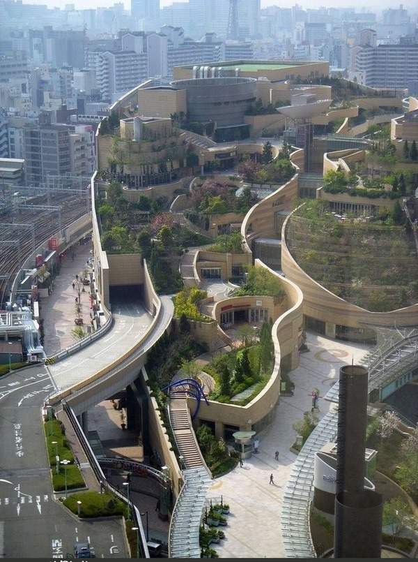 Namba Parks Gets Rave Reviews from Overseas