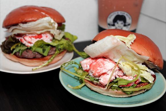 Hamburger Review: We Sample Wendy's New (¥1280!) Lobster-Based Burgers
