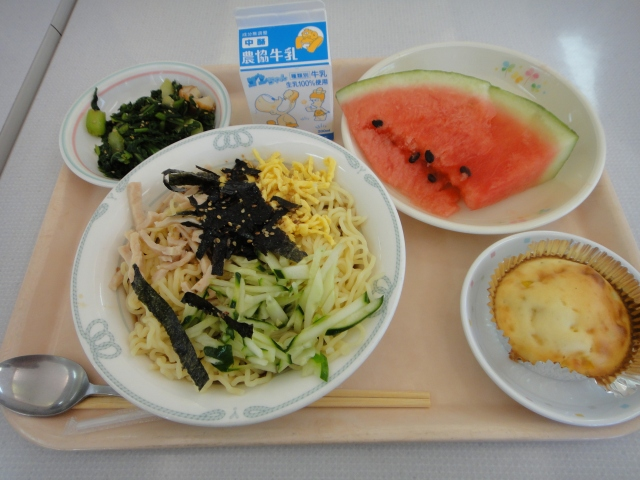 School Lunch in Japan 【You, Me, And A Tanuki】