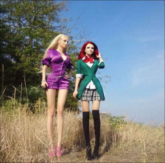 Ukraine's Anime Girl and Real Barbie Meet Face to Eerie Face!