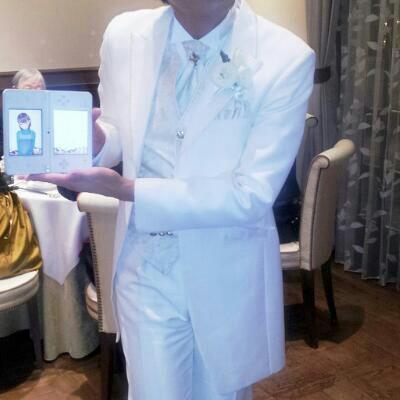 """Japanese Man Brings Virtual Girlfriend to Own Wedding, Bride Retaliates with a """"Surprise"""" at the Reception"""