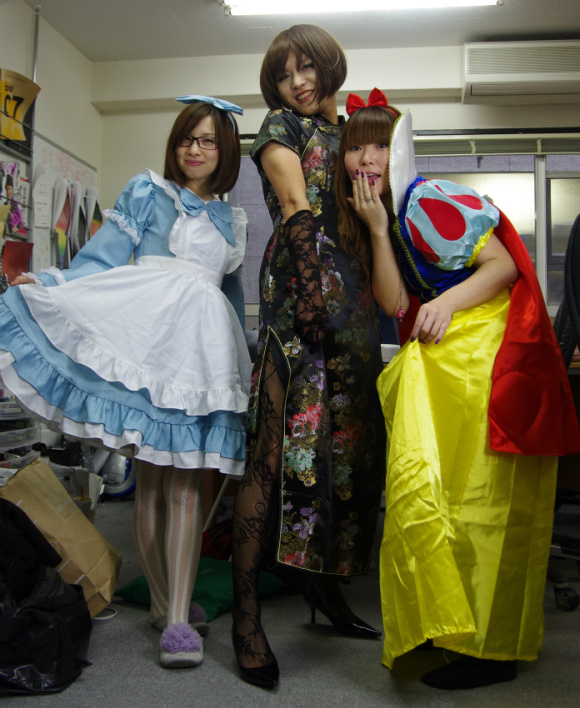 Confessions of Snow White in Tokyo on a Weekday