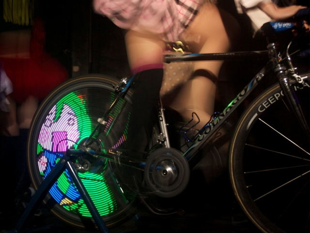 Display Your Own Animations on Your Bicycle Wheel with ANIPOV, Goes on Sale January 2013