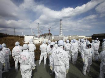 Paying Just $11 a Day, Subcontractors Ripping Off Fukushima Nuclear Accident Decontamination Workers