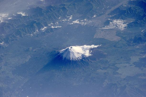 """Mt. Fuji Should Erupt by 2015"": Ryuku University Professor Emeritus"