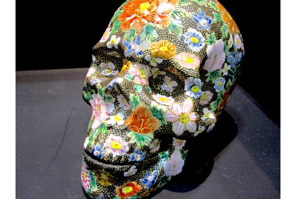 Kutani-ware Porcelian Skulls Remind Us of Our Mortality, Art's Longevity