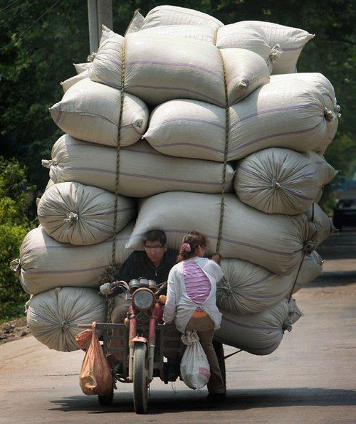 Hilariously Overloaded Vehicles in China 【Photo Gallery】