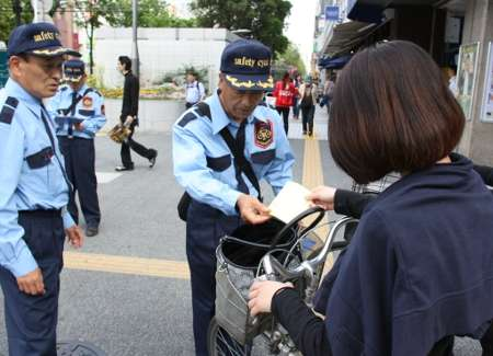 Japan Gets Tough on Cyclists Violating Traffic Laws. Jail Sentence for Heavy Offenders?