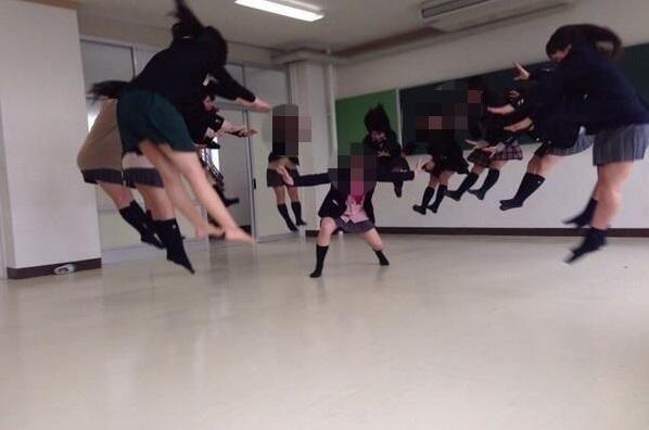 Crazy Ninja Skills: Japan's Schoolgirls Are Too Epic For Words 【Photos】