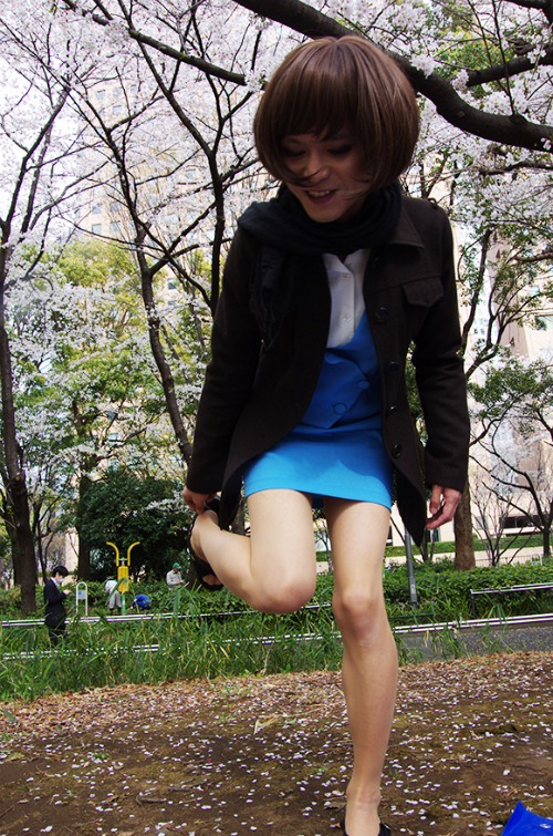 Seven Things Our Male Reporter Realized After Wearing a Miniskirt4