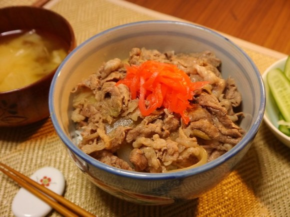 Make Your Own Yoshinoya Beef Bowl at Home, Even Better Than the Original 【Recipe】