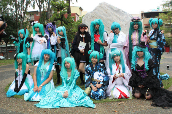 Taiwanese Cosplayers Appear in their Droves, Show All-Out Passion for Hatsune Miku