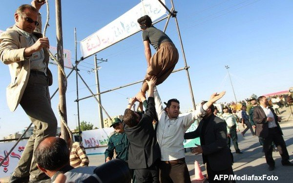 Iranian Murderer Pardoned Seconds After Hanging