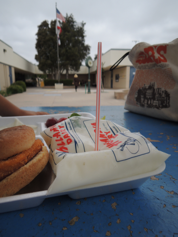 Our Japanese Reporter's Experience Eating American School Lunch17