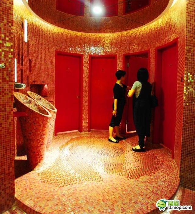 Luxury restroom in Chinese department store the envy of Japanese shopaholics
