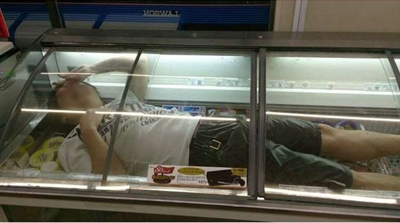 Convenience store freezer diver flamed by ice-cream loving Netizens