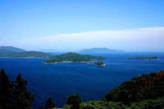Japanese island that has refused nuclear money for 31 years pushed into a compromising situation