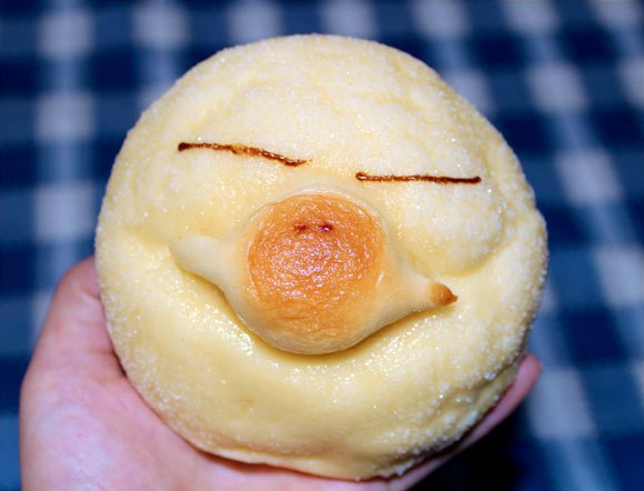 Luxury hotel cooks up adorable melon bread based on JR West's platypus mascot