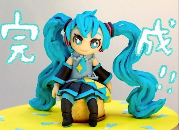 Happy birthday Hatsune Miku! Fan celebrates with amazingly detailed Vocaloid cake
