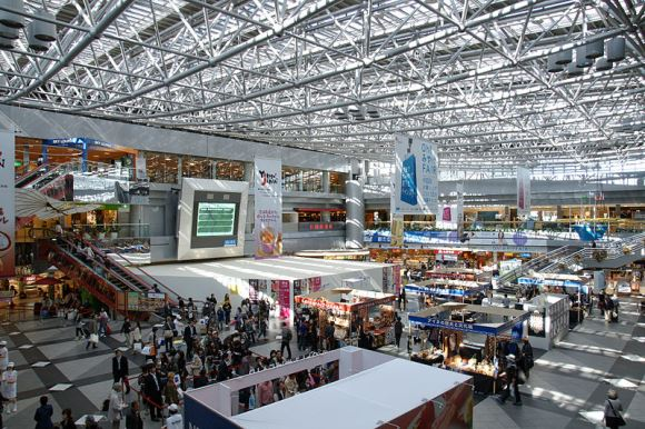 The airport that's practically a theme park — Shop, eat, play at the New Chitose Airport!
