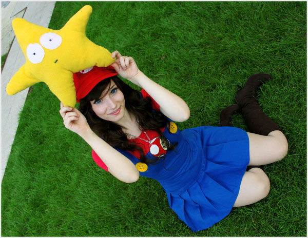 Cosplayer makes Mario sexy, brings our favorite characters to life