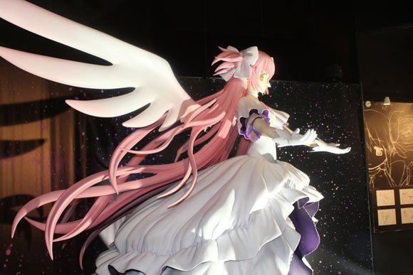 We fall under the spell of life-sized Madoka statue at magical girl anime art exhibit