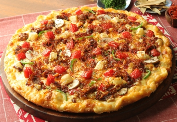 Pizza in Japan 6