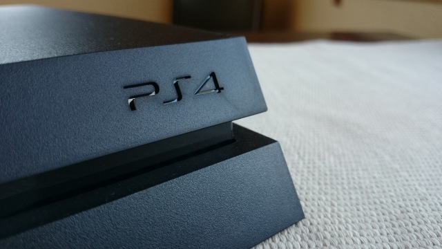 PlayStation 4 impressions: An Xbox fan and a Sony lover go head to head