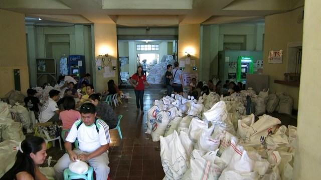 Donating food to the victims of Super Typhoon Haiyan