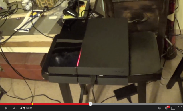 """Reports of PlayStation 4 """"red line of death"""" appear online 【Videos】UPDATED"""