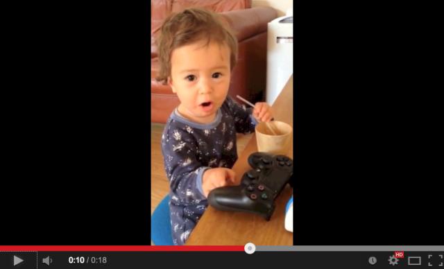 Cute little gamer knows the score【Video】