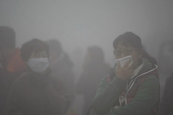 Days of thick smog leave Shanghai residents gasping for fresh air