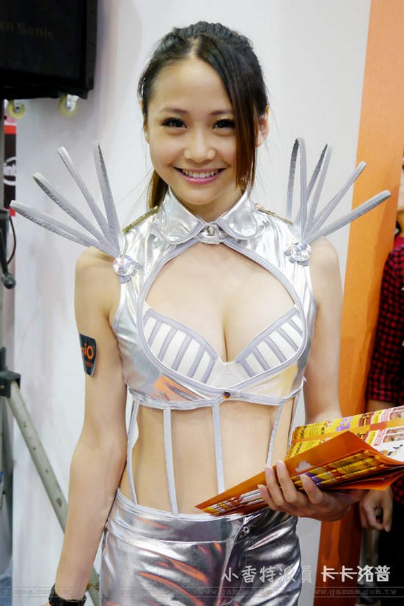 Taiwan's annual IT show lasts a whole month! Booth babes galore! 【Photos】
