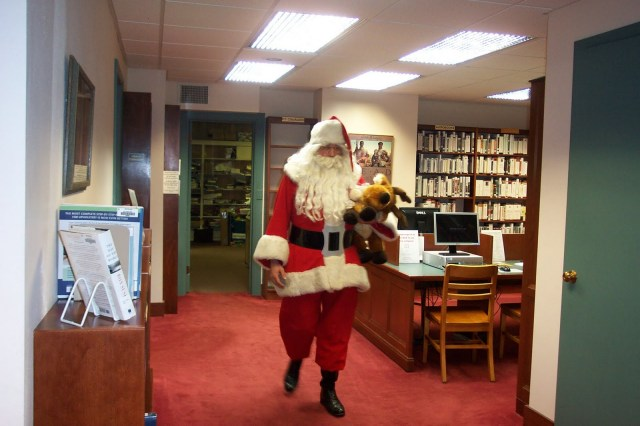 Mysterious Santa puts smiles on childrens' faces with a generous gift of 3,000 books!