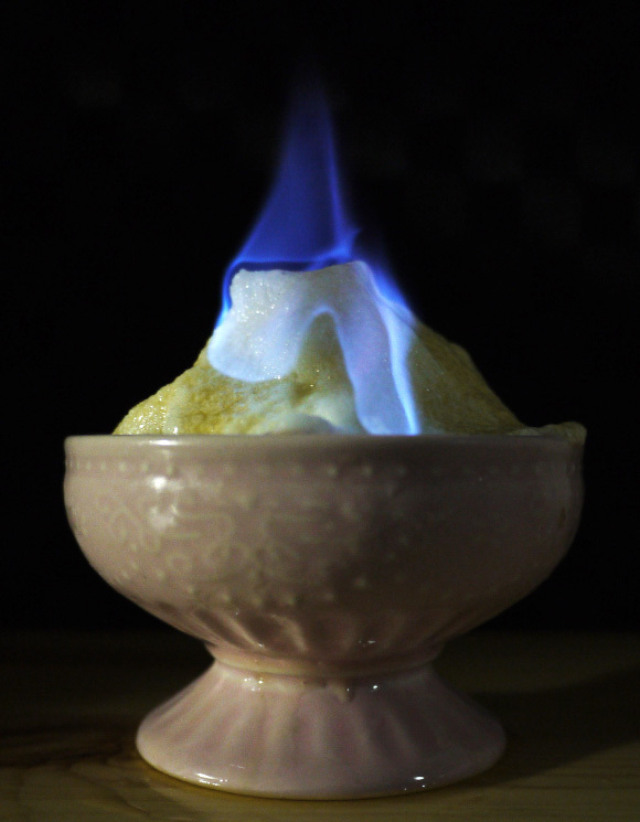 How to master the elements by setting ice on fire, then eating it 【Recipe】
