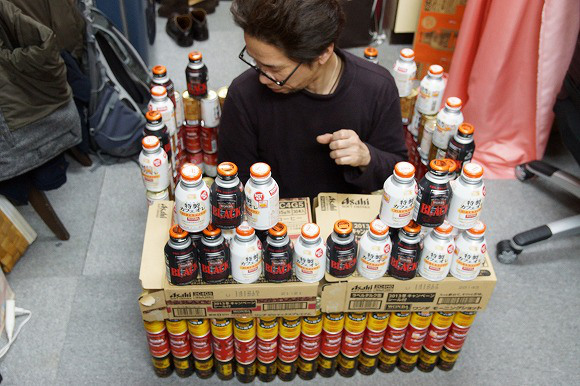 AKB48 to hold exclusive show for coffee contest winners, Mr. Sato immediately buys over 300 cans