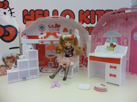 Kitty 40th 9 Rika chan 2