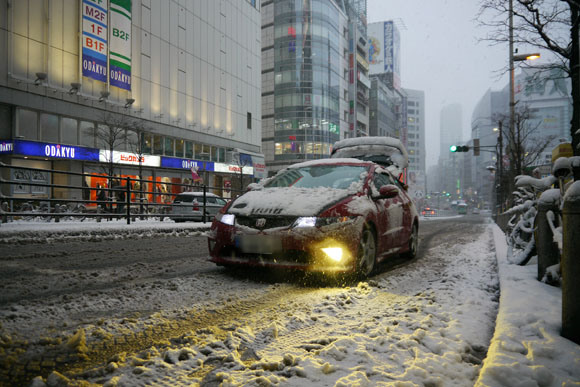 """Kanto region gripped in the grip of a couple inches of snow: """"I have to change my underwear!"""""""