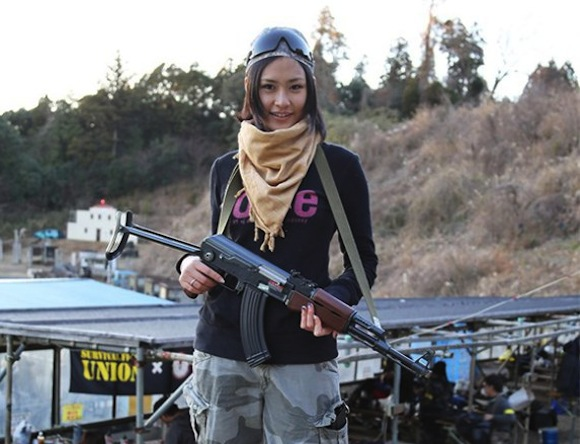 Cute Japanese girls with guns will steal your heart, put a cap in it