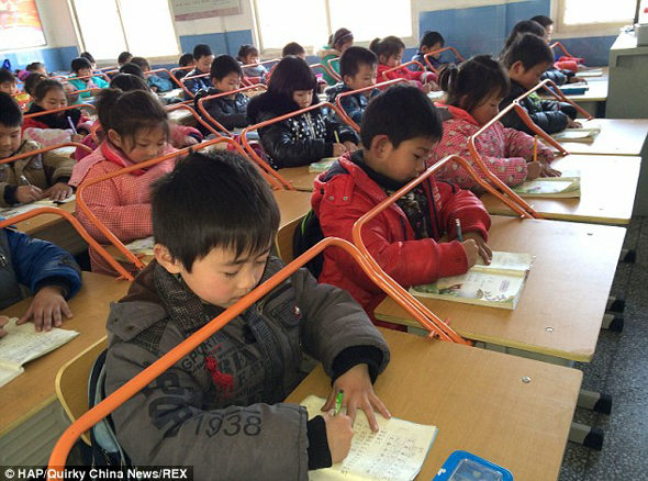 Chinese classroom introduces roller coaster-style desks, hopes to protect kids' eyesight