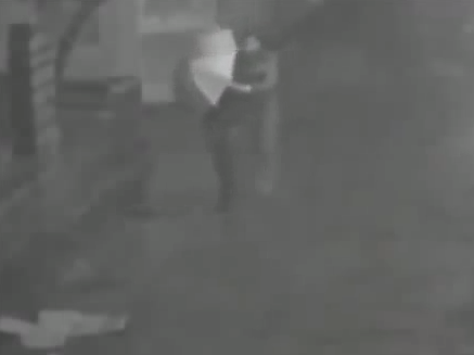 Security camera catches a Chinese man trying to murder his girlfriend by shoving her down a manhole