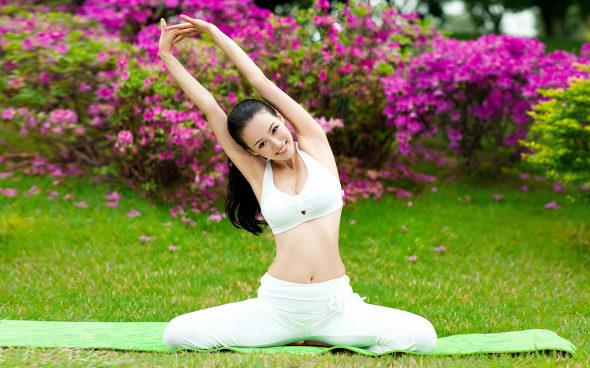 China goes gaga for versatile yoga beauty