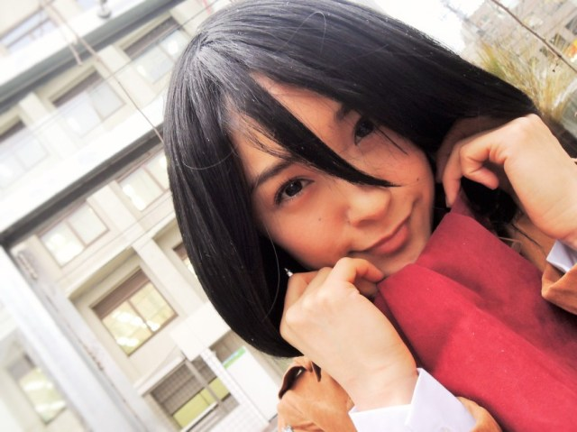 Japanese TV and movie star Mihiro shows us her Attack on Titan cosplay, steals our hearts
