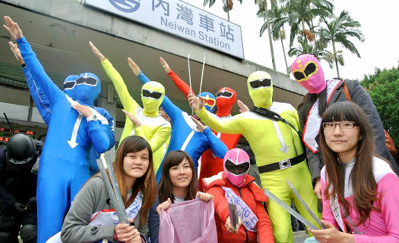 Lycra-clad Super Sentai descend on Taiwan to… pick up trash?!
