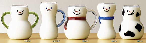 These snowman milk mugs are so cute, we want them ALL!