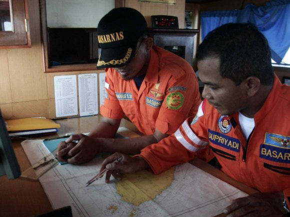 What pilots think about the crazy new theory that the missing Malaysia jet used another jet to hide