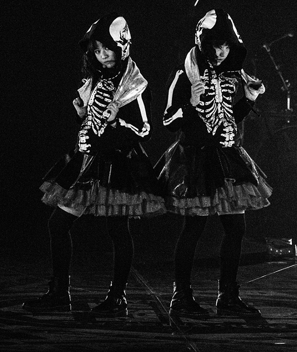 BABYMETAL invasion of the West marches on, everyone welcomes new kawaii overlords【VIDEOS】