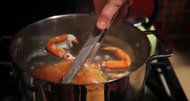 Osaka man stabbed after argument over boiling crabs leads to bizarre attempted murder